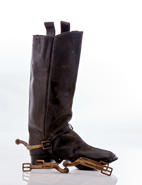 Lot248-Civil War Boot and 3 spurs